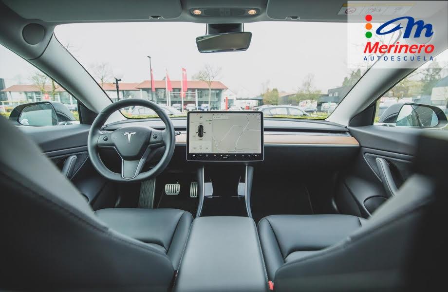 ¿Nos ayuda la tecnología del automóvil a mejorar la conducción?